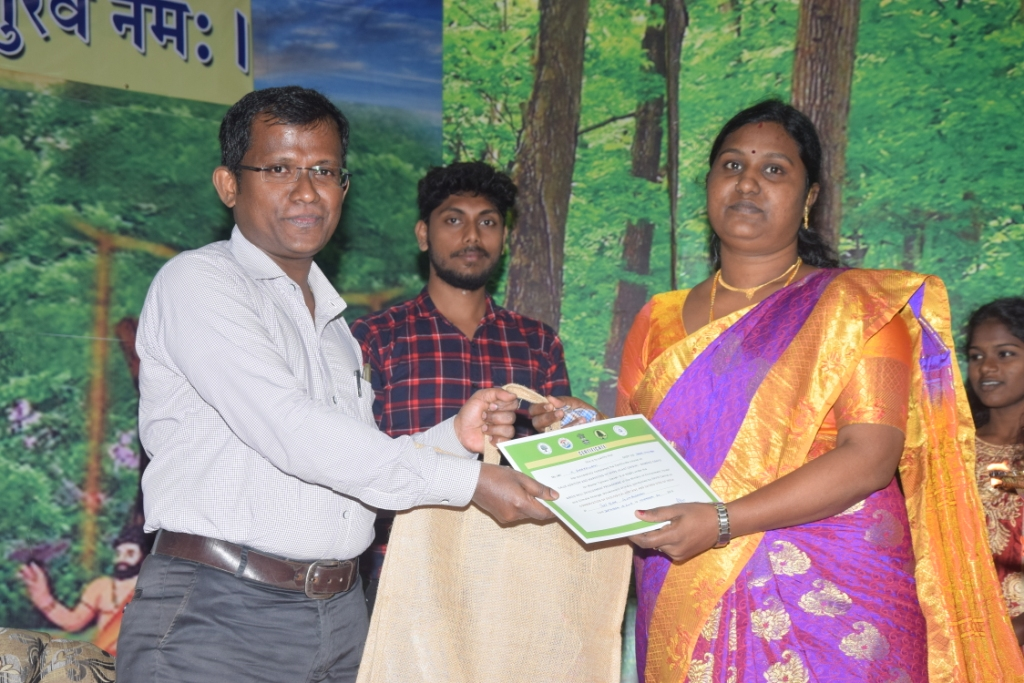 Shri. Chandramauli, Assistant Director, MSME, Port Blair, distributing the Course completion certifi