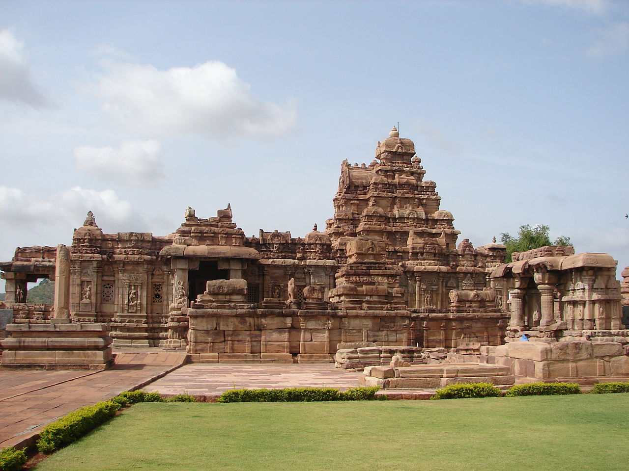 Virupaksha temple - Pattadakal